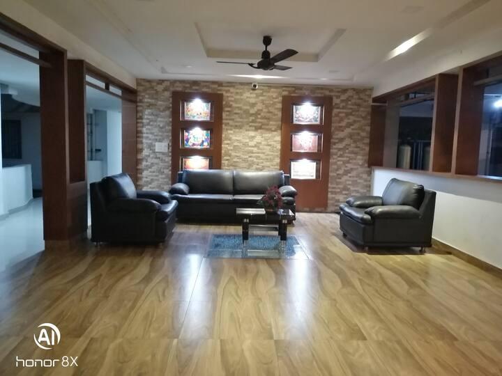 Amrutham Apartment - Close to Guruvayur Temple.