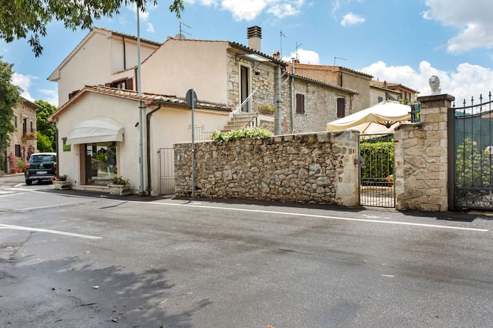 Appealing Holiday Home in Saturnia with Garden
