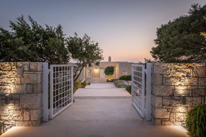 Villa in Kythira. Magnificent sea & castle view - Kithira