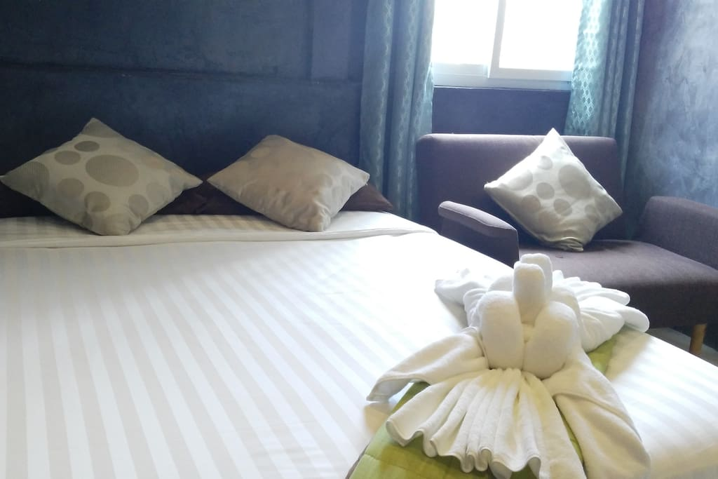 Nice set of Bedsheet & Linen