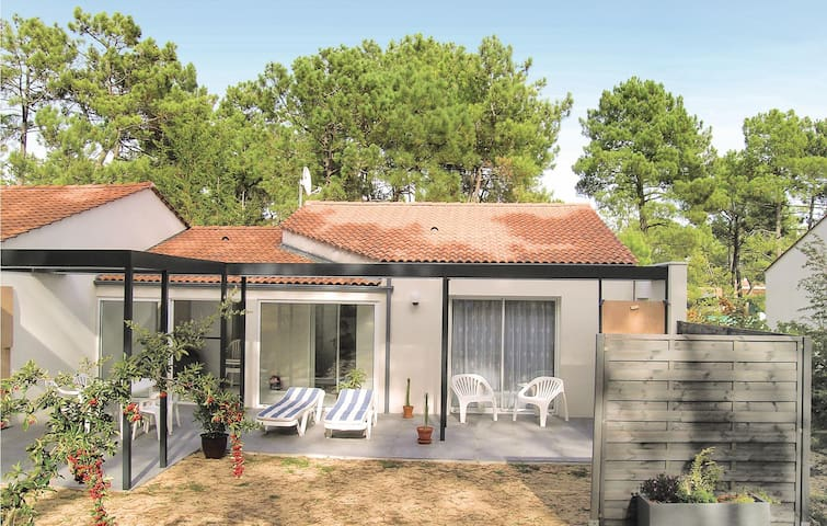 Semi-Detached with 2 bedrooms on 60m² in La Faute sur Mer