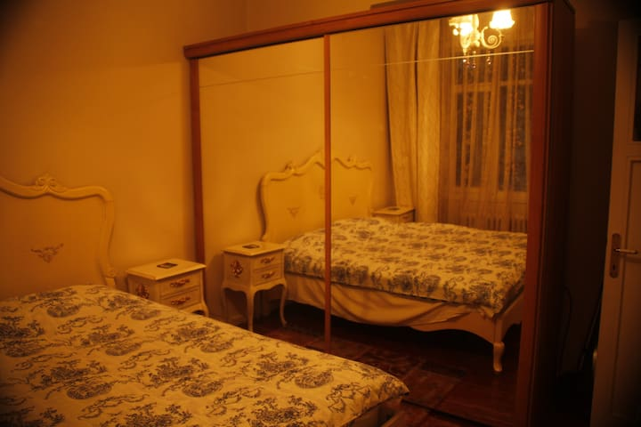 Smooth Room Near Bagdat Street Couple Or Single