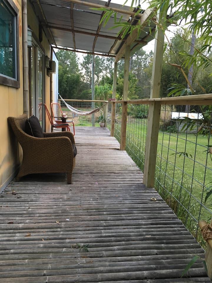 Casa de Bambú  container home close to Disney WIFI
