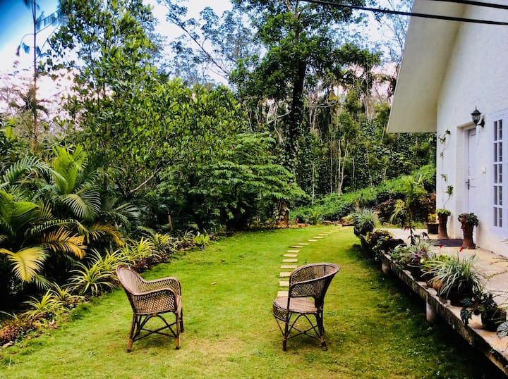Wayanad Farm stay - Yaksha (English cottage)