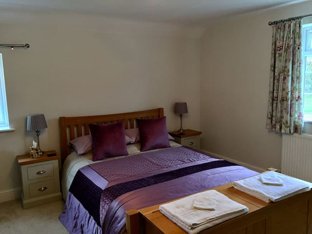 King deluxe room at Slades Farm Leisure