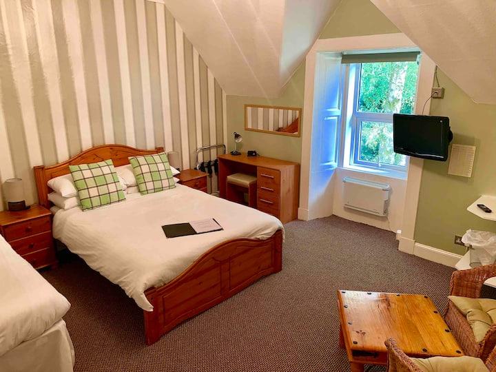 Mambeg House Room 1