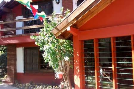 (II) Hostería - Casa para Turistas! - Luis Guillon