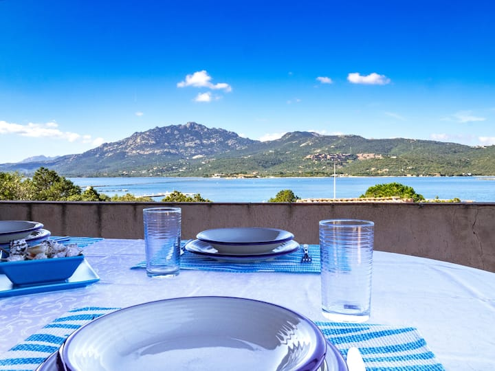 Caletta 10: 4 guests, swimming pool, tennis court