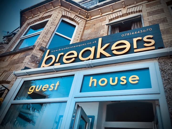 Breakers, Cornish Getaway in Iconic Fistral Beach
