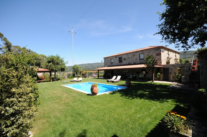 Villa 259 - Fantástica Moradia em Pedra c/ Piscina