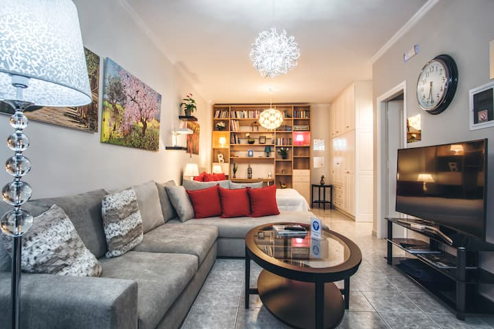 Deluxe Apartment with Private Garden | RH