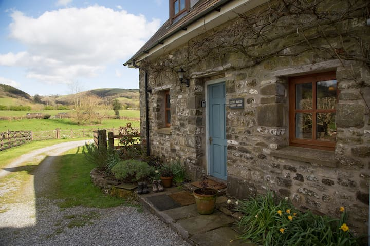 Red Kite Lodge - Abbey Cottages Talley, Llandeilo