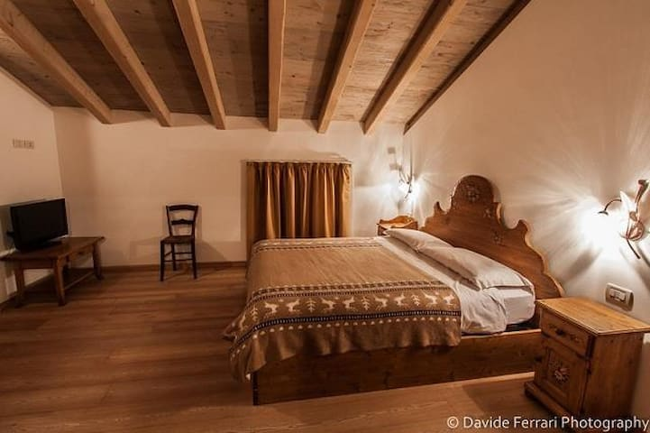 Suite Val Lomasona, Maso Caiano in the Dolomites - Comano Terme - Bed & Breakfast