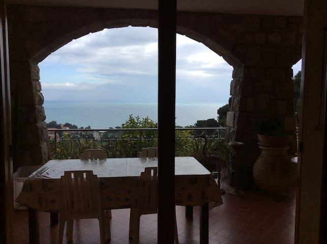 3 chambres à louer - Ventimiglia - Bed & Breakfast
