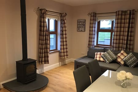 Countryside Guest House. 6 Miles to Galgorm Hotel
