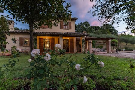 Villa Louise - Home-away-from-Home - Uncinano - Villa