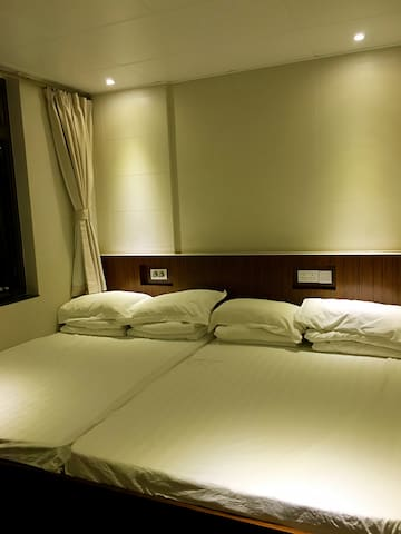 F1-TWO DoubleBed Room 4 GUESTS