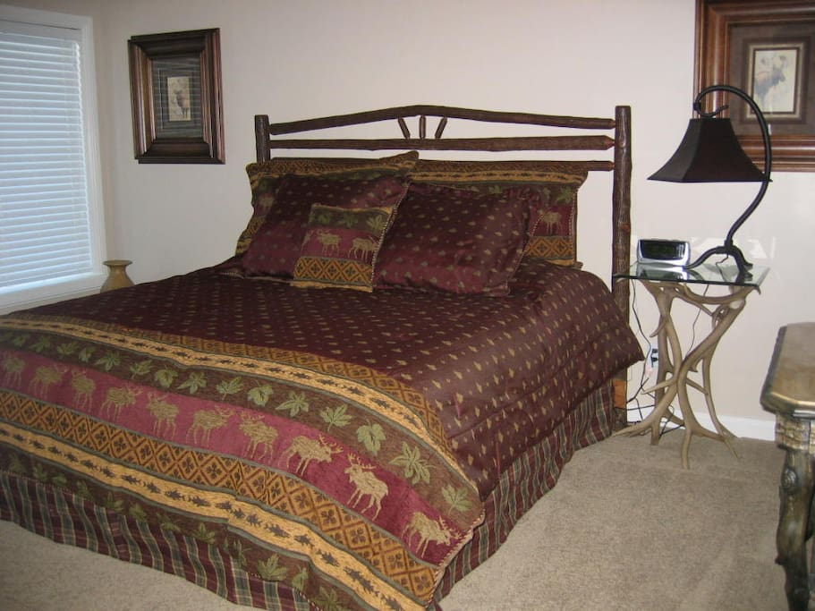 Very comfortable king bed!