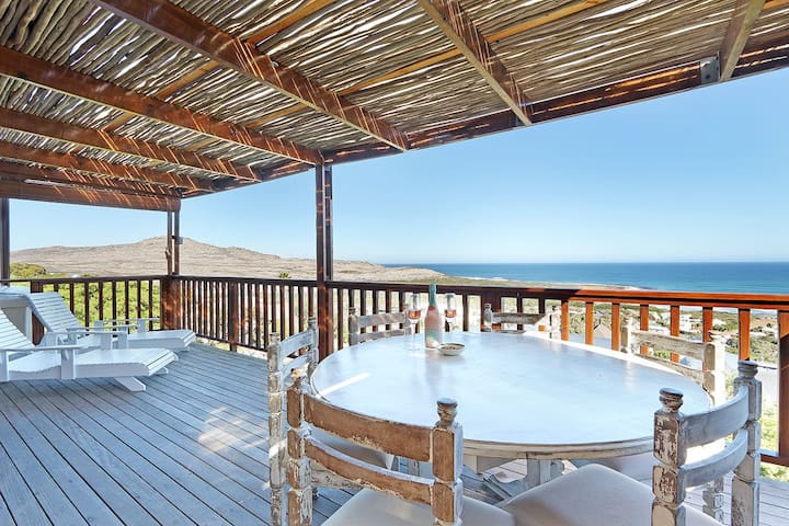 Amazing Sea Views For Lazy Holiday Fun in the Sun