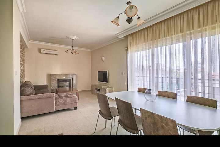 2-bedroom cozy flat 200 m from the beach - Limassol - Apartamento