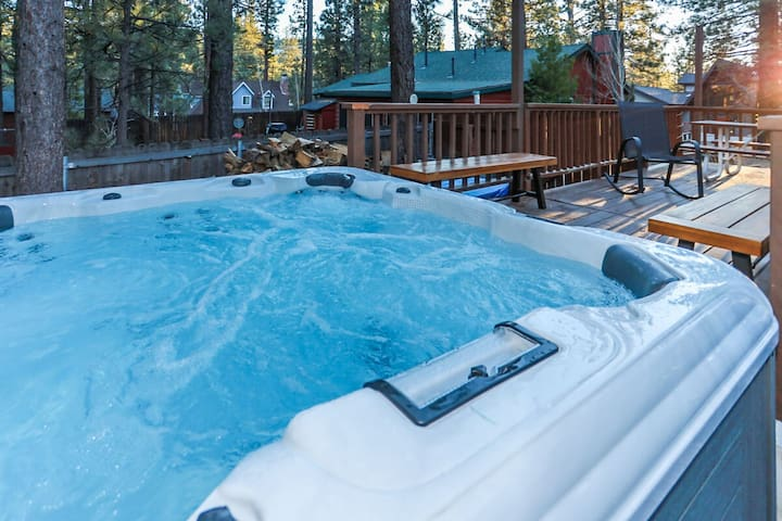 Winter Pines Adorable Studio With Private Hot Tub