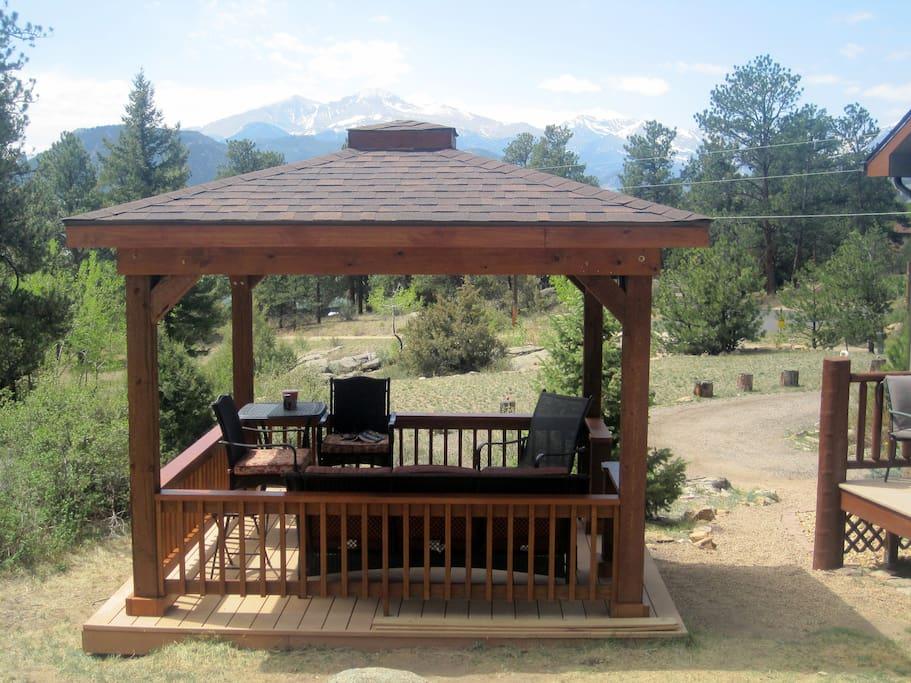 Year round Gazebo with comfort seating & views!