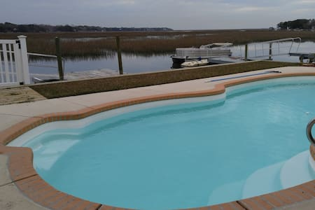 River Front Private Pool Apartment - Charleston