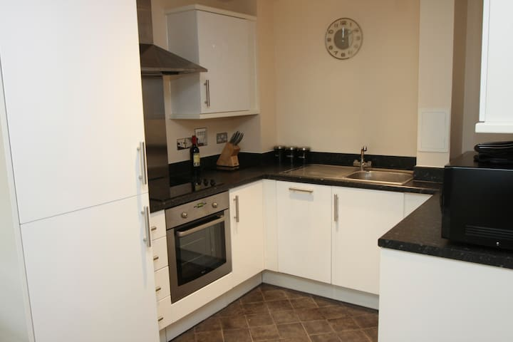 Two Bed Modern Apartment in Watford Town Centre