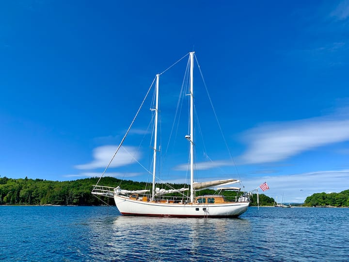 All-Inclusive Fully Crewed Classic Yacht Charter