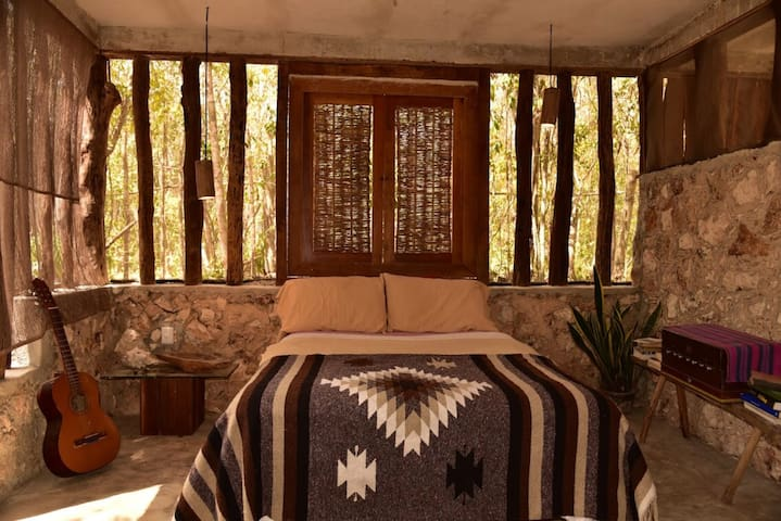 Qualia Tulum - Cuarzo | Jungle Art Bedroom for Two