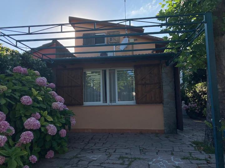 Deliziosa casa con giardino
