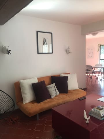 habitación para foodies/drinks cerca de La Minerva