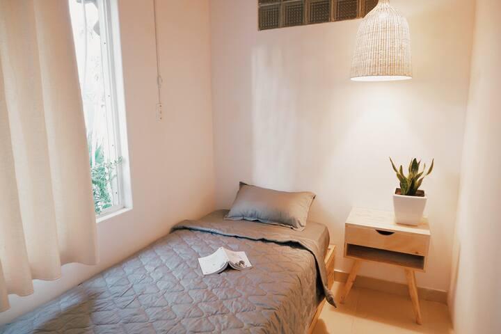 Baobab Homestay - Single Room