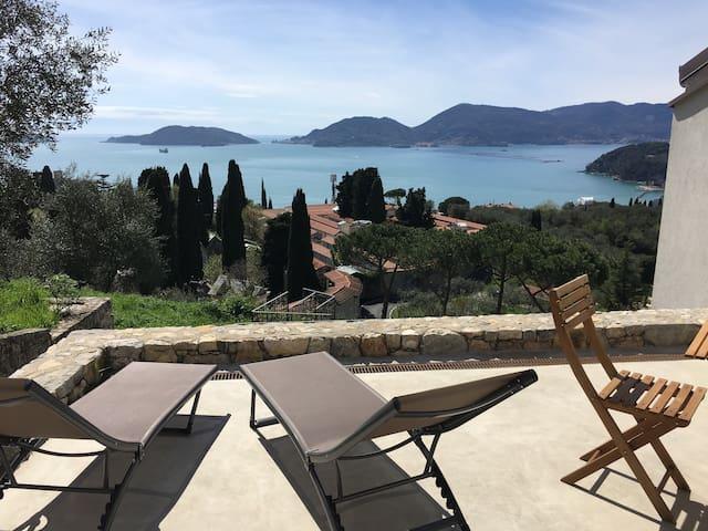 Appartamento in villa a Lerici con vista sul Golfo