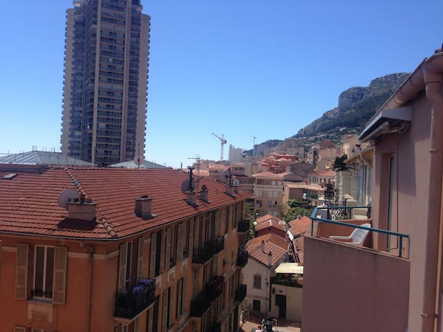 Room (2) w/kitchen, 3 min from Monaco