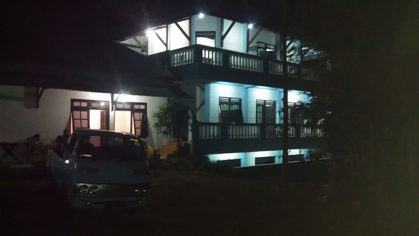 Villa dan Camping Ground Pinus - Salatiga - Vila