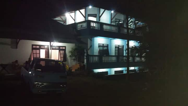 Villa dan Camping Ground Pinus