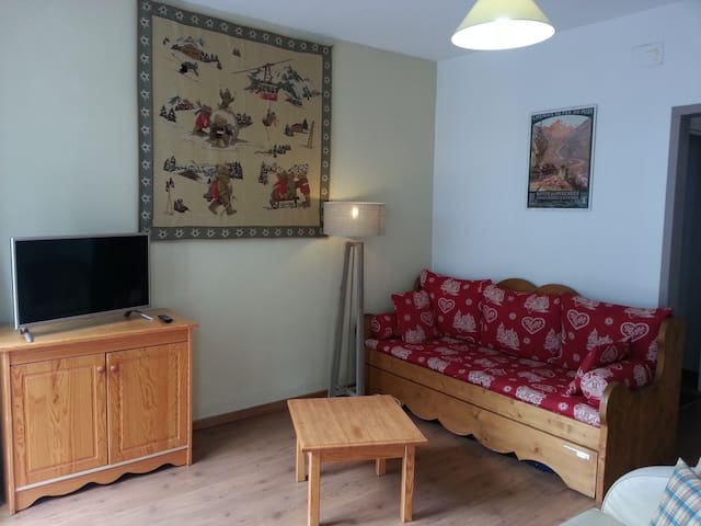 App 2 rooms 8 pers center of cauterets