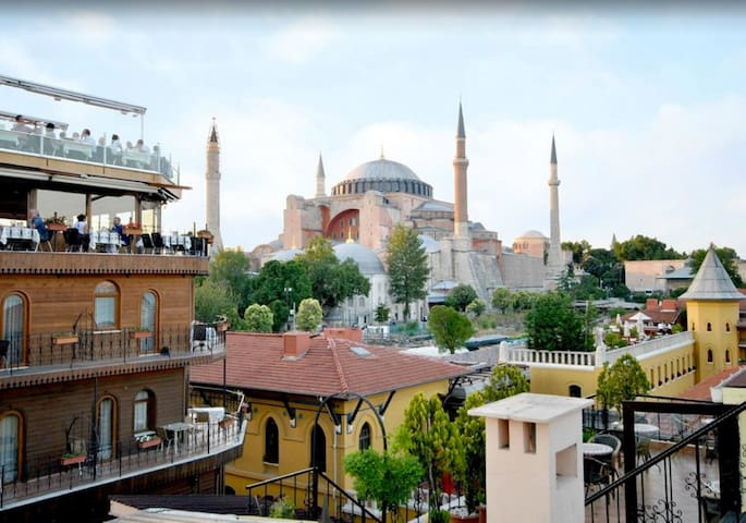 Side Hotel&Pension/WELL LOCATED - Istanbul - Bed & Breakfast