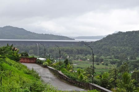 Beautiful Villa with Mulshi Dam view - Pune