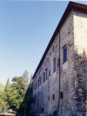 Apt 2+3 in Castello 15km da Firenze - Chiocchio - Castillo