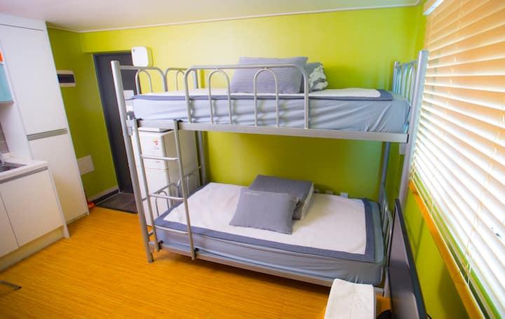 BB Hongdae Dormitory Room(Female 4-bed )