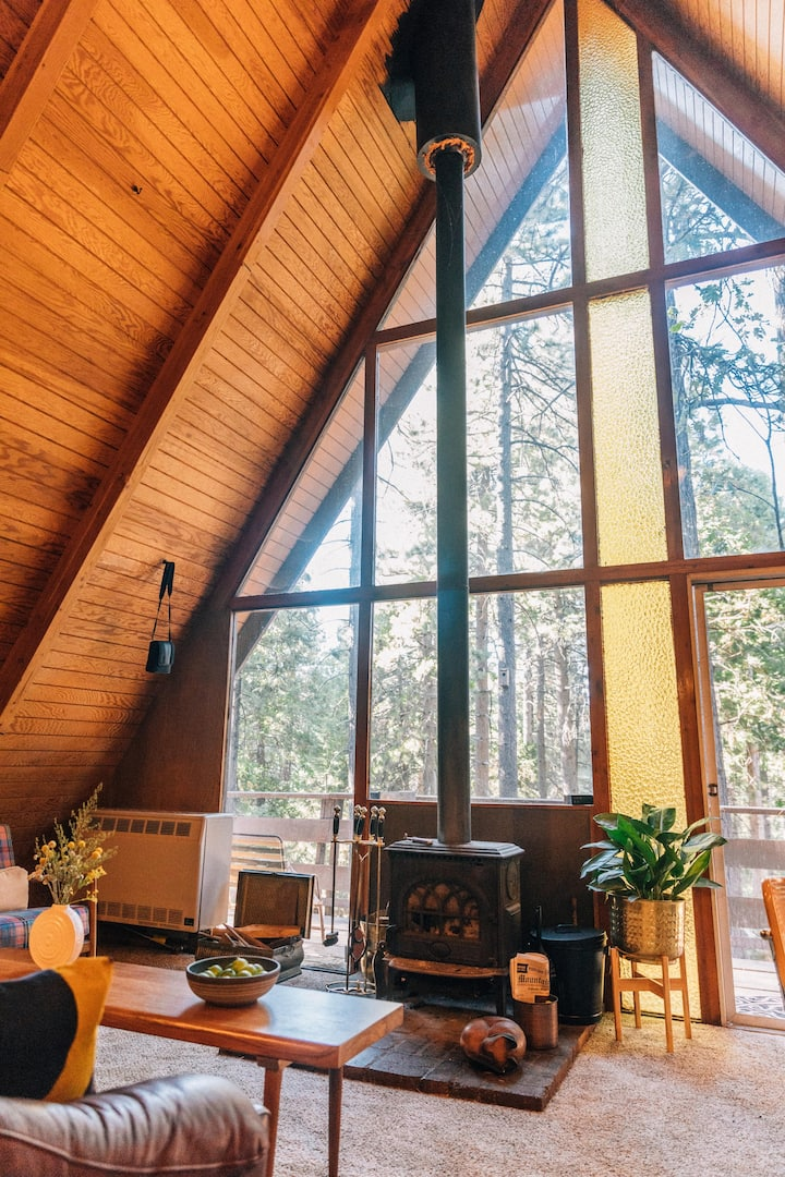 Sugarpine - A Classic A-Frame in the tall pines