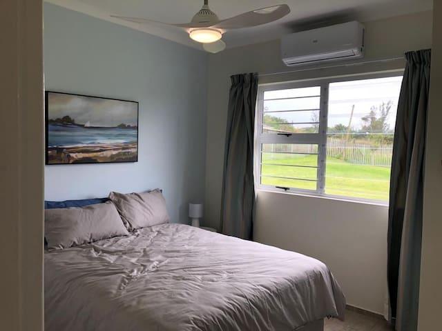 Bedroom 2 with Queen size
