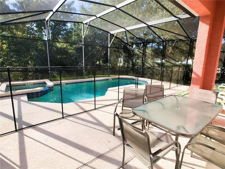Luxury Corner House Minutes away from Disney Parks