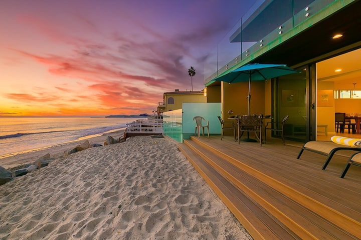 Amazing Oceanfront Home w/ Deck, Privacy + Outdoor Living!