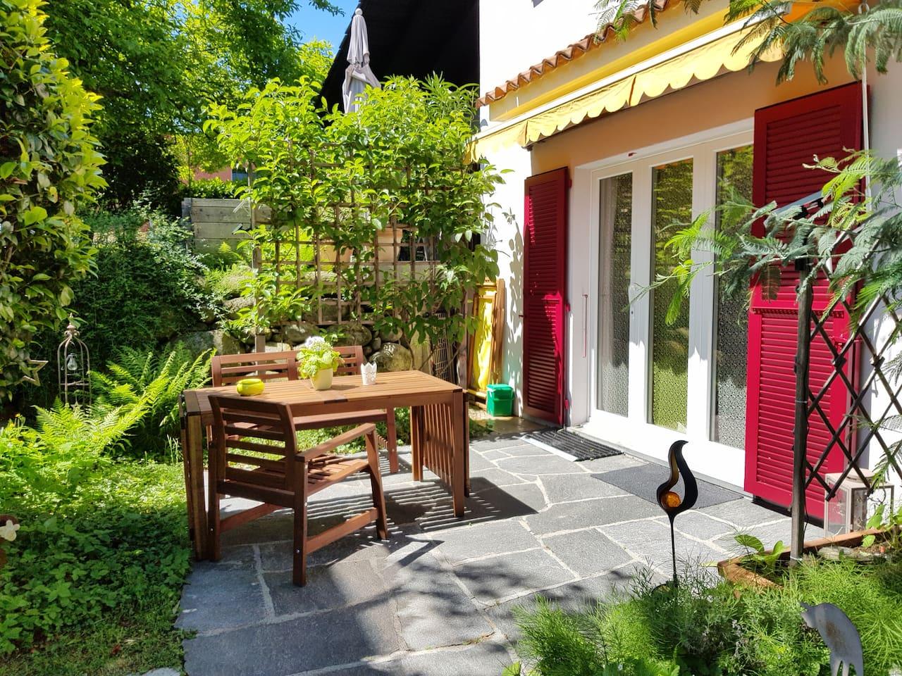 WILLKOMMEN IN VERSCIO <3 -Studio mit Lauschigem Gartensitzplatz