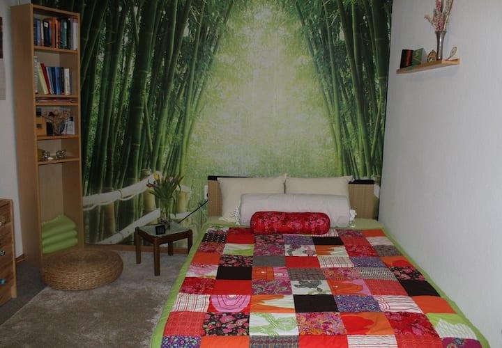 kleines Zimmer mit Wohnwintergarten