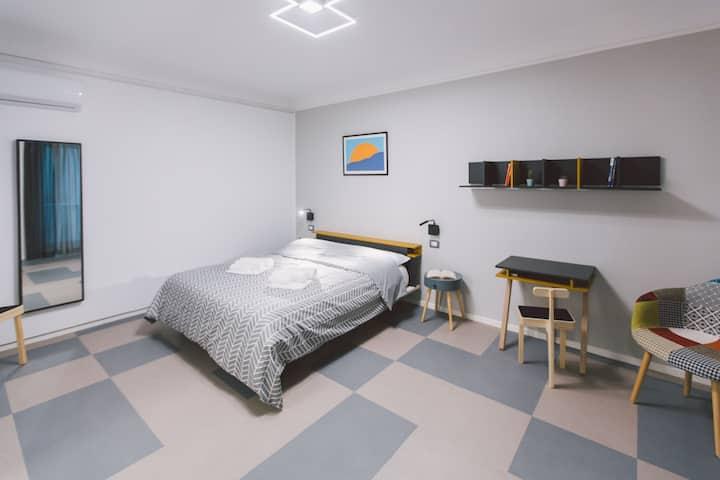 Brand new double bedroom apartment across Ortigia