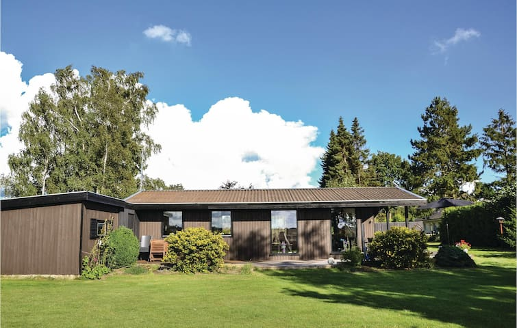 Holiday cottage with 3 bedrooms on 59m² in Kirke Hyllinge